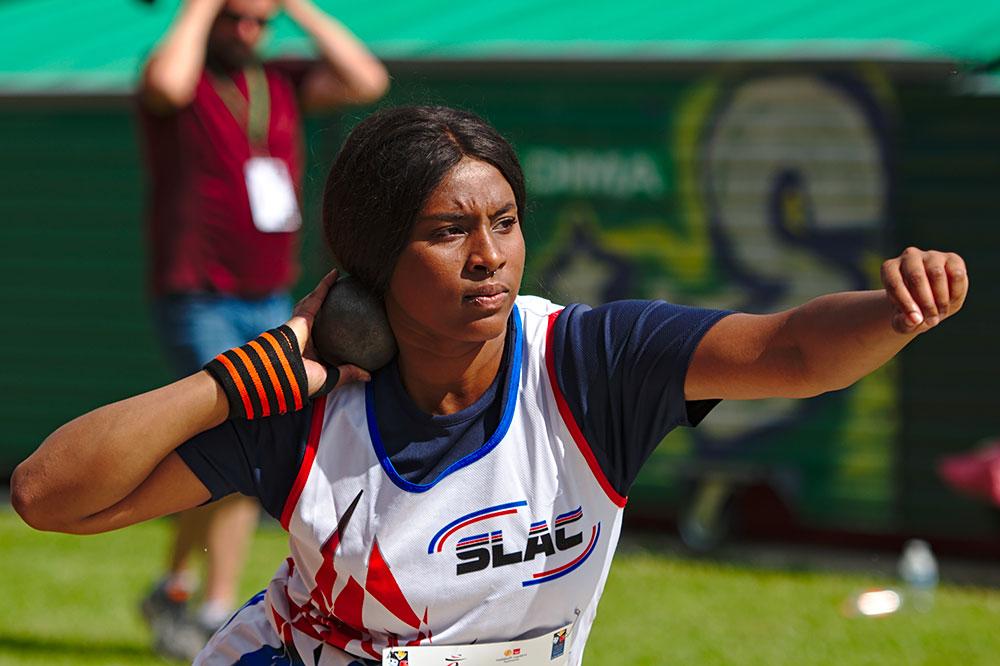 Gloria Agblemagnon au lancer de poids lors du championnat de France de Montreuil en 2019